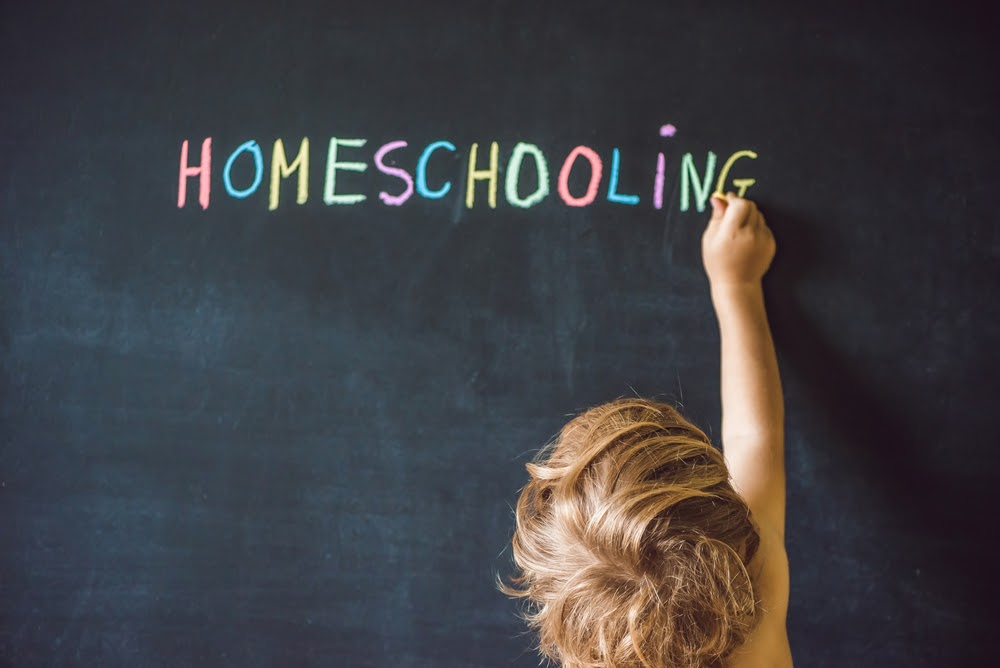 Tips & Advice on How to Homeschool Your Kids During COVID-19 in 2020